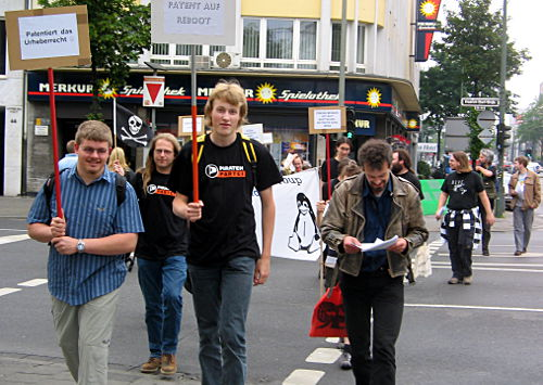 © www.mutbuergerdokus.de: Demonstration gegen Software-Patente 2007