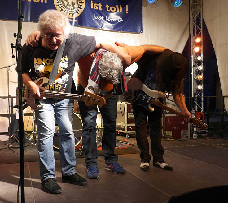 © www.mutbuergerdokus.de: 'World In Union'-Fest